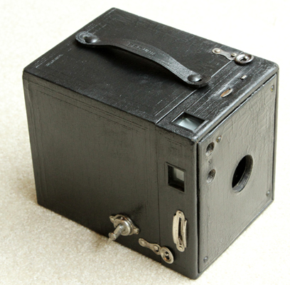 kodak brownie no. 3, model b box film camera 1920