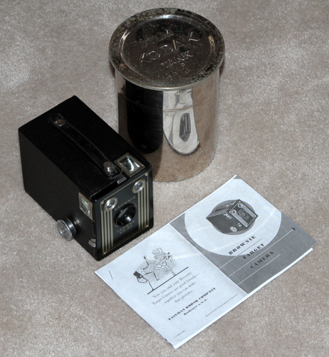 kodak brownie target six-20 vintage box art deco film camera
