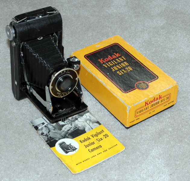 kodak vigilant junior six-20 vintage film camera 1940