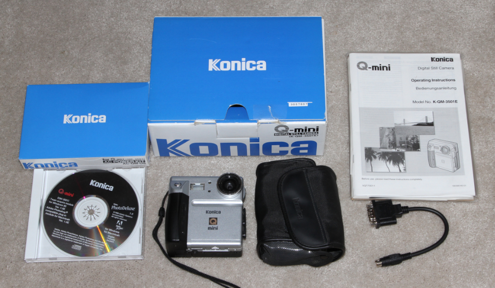 Konikca Q-Mini digital camera kit